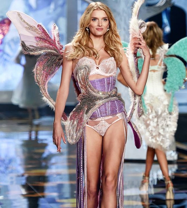 Mannequin sexy Fashion Show Victoria's Secret 2014